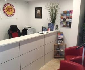 RNR Serviced Apartments Melbourne - Reception Area & Desk