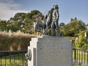 statues to visit in melbourne-5